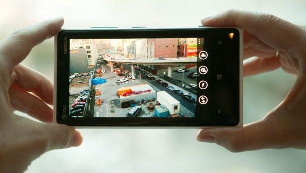 Nokia Lumia Menginvestasikan Kamera Sebagai Penarik Konsumen