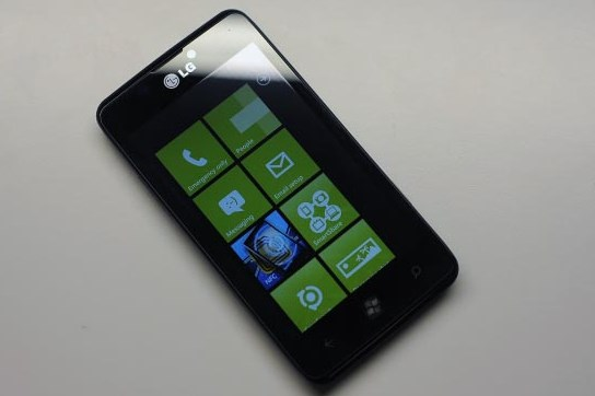 LG Sedang Bersiap-siap Memproduksi Windows Phone Lagi?