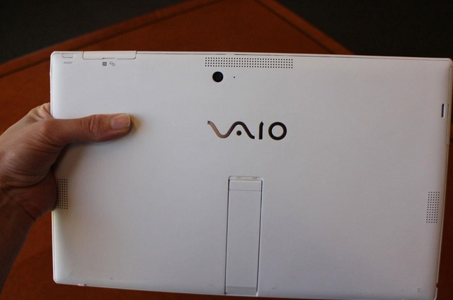 Sony Segera Merilis Tablet yang Mirip Microsoft Surface Pro