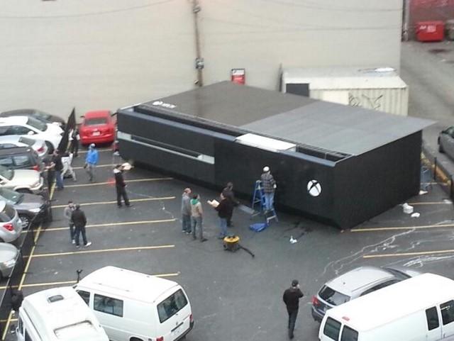 Inilah Xbox One Raksasa Buatan Microsoft