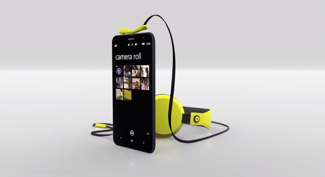 """Inilah Lumia 1320, Windows Phone yang """"Besar dan Cantik"""" (Video)"""
