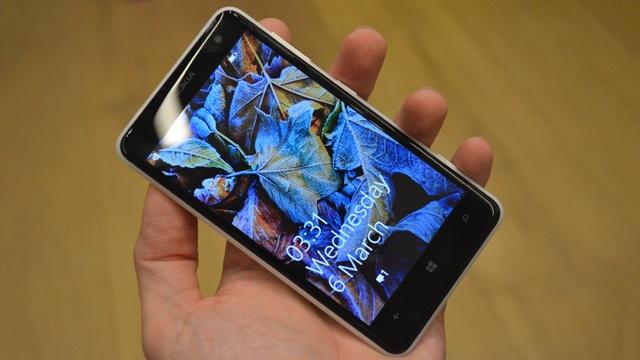 Lumia Black untuk Lumia 625 Sudah Tersedia, Sayangnya di Indonesia Masih Belum