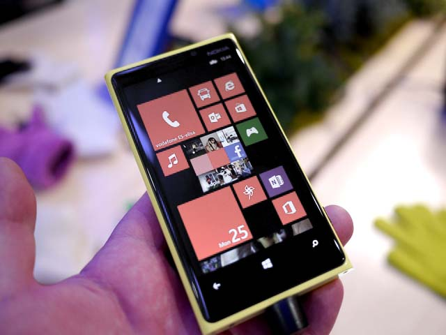 Windows Phone 8.1 Mungkin Bisa Custom Background Tile