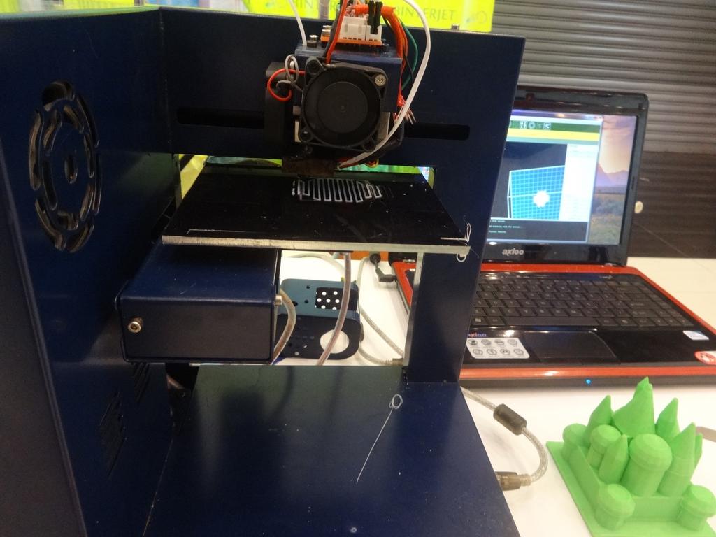 Inilah 3D Printer yang Muncul di Mega Bazaar Consumer Show 2014