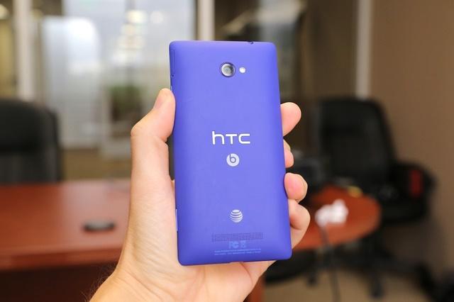 HTC W8: Device Windows Phone 8.1 Pertama dari HTC