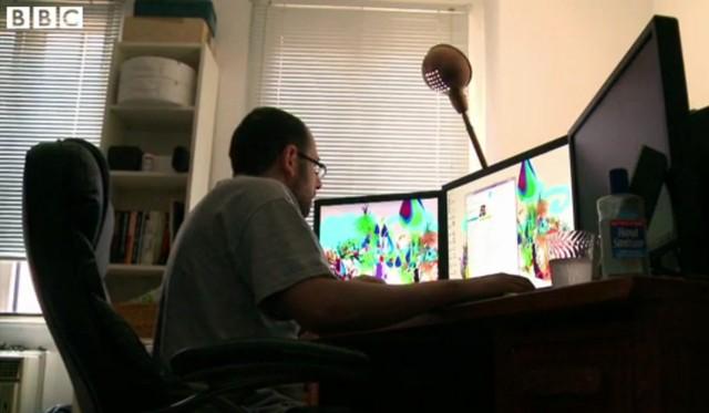 Ruang kerja Evan yang sebelumnya dia gunakan untuk mencari dan berbagi leak