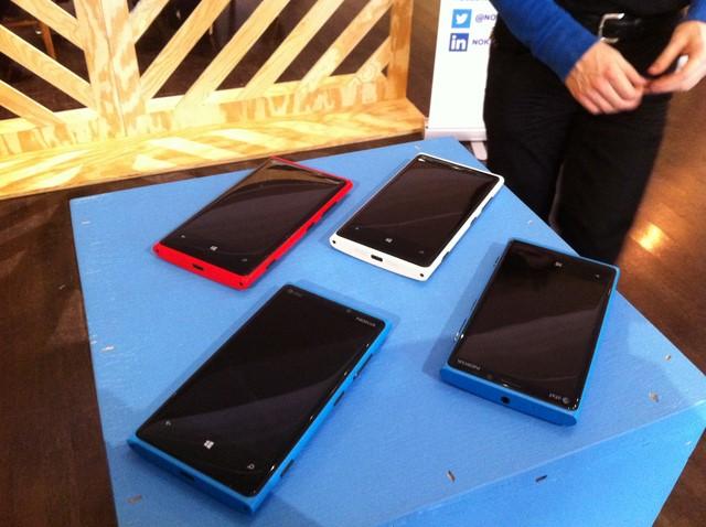 Hore.. Pengguna Lumia 920 Ayo Update ke Lumia Cyan Sekarang!