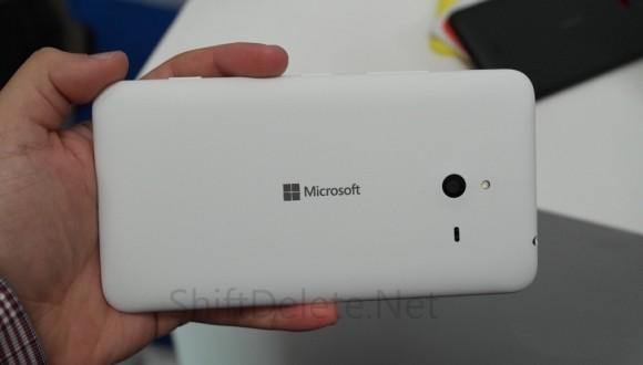Ternyata Foto Lumia 1330 yang Bocor Kemarin Palsu