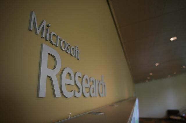Microsoft Lebih Banyak Menggelontorkan Uang ke Riset dan Pengembangan Daripada Apple