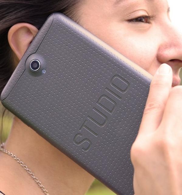 """Blu Merilis """"Smartphone Terbesar di Dunia"""" Seharga 1.9 Jutaan"""