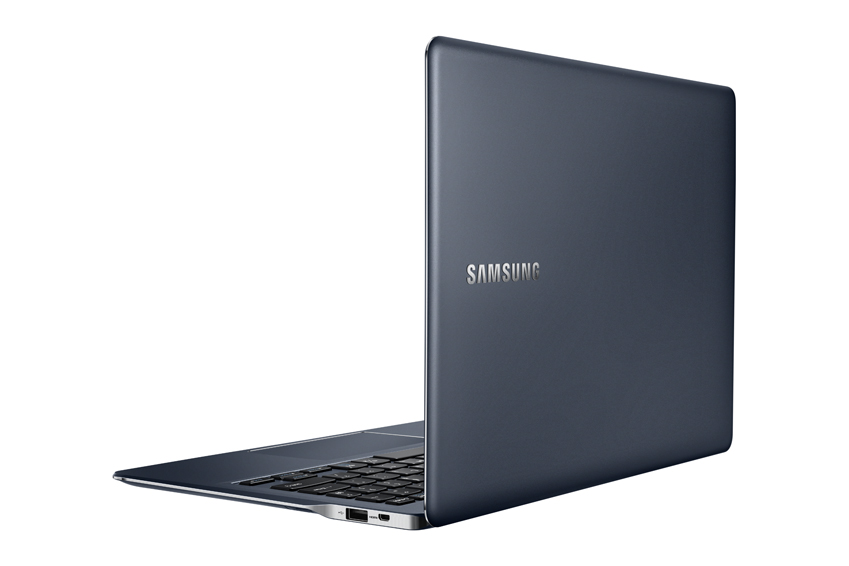 Samsung Akan Memamerkan All-In-One PC Windows 8.1 Layar Cekung di CES 2015