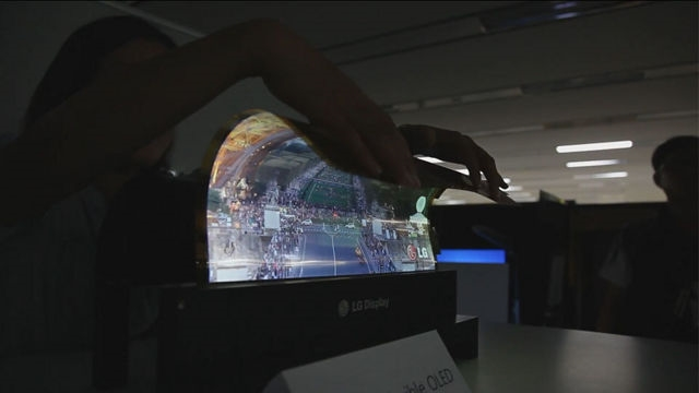 #WinExplain: Inilah Kenapa Sebaiknya Kamu Tidak Membeli TV atau Monitor Melengkung