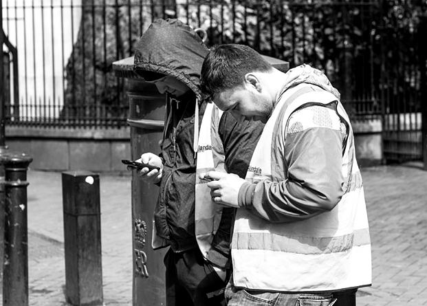 Smartphone Telah Membuat Banyak Orang Jadi Menyedihkan