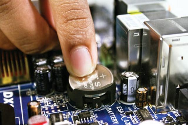 Kenapa Motherboard Membutuhkan Baterai CMOS??