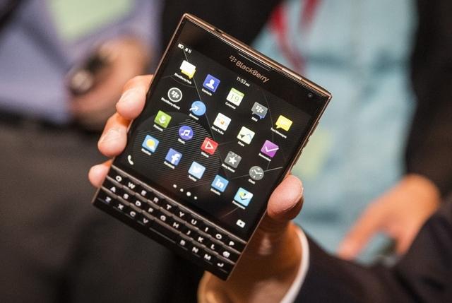 Microsoft Mulai Mempertimbangkan untuk Membeli BlackBerry