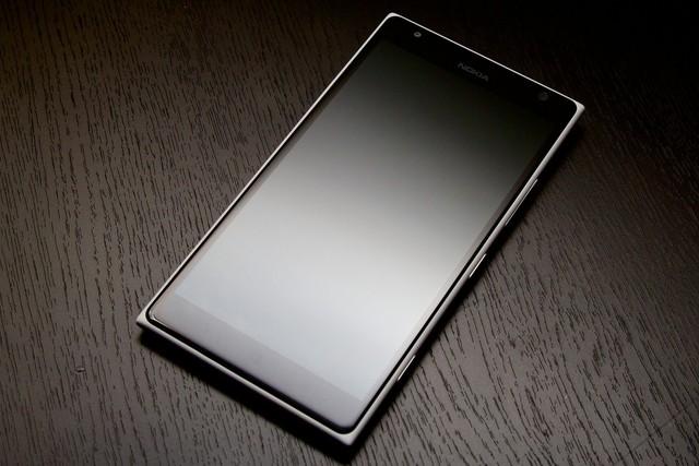 Microsoft Benar-Benar Akan Merilis Lumia Flagship Berukuran 5.7 inc