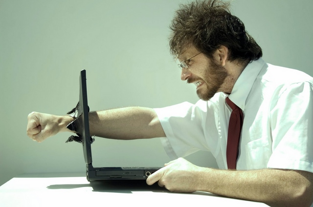 13 Hal yang Biasa Dilakukan Orang Ketika PC-nya Mendadak Lemot