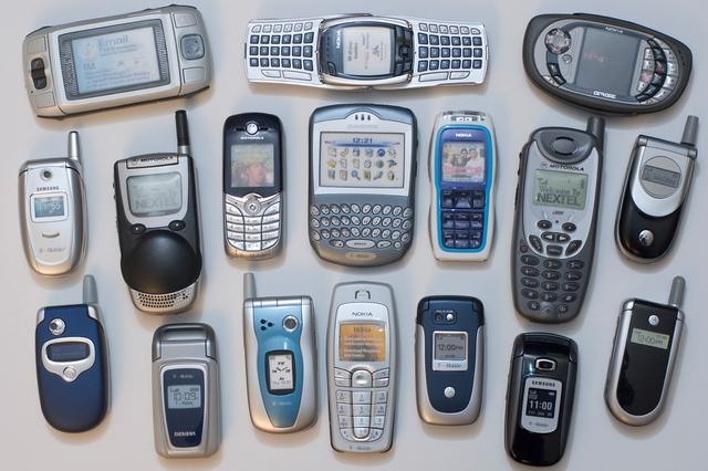17 Kelebihan Handphone Jadul yang Tidak Bisa Kamu Nikmati di Smartphone
