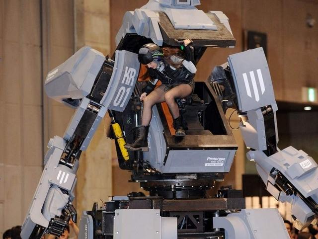Megabot Mark II Buatan Amerika Akan Bertarung Melawan Kuratas Buatan Jepang