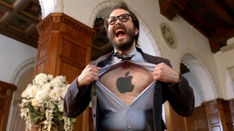 Seperti Inilah Uniknya Respon Apple Fanboy Ketika Dihadapkan dengan iPhone Ber-OS Android