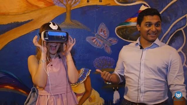 Seperti Inilah Reaksi Cewek & Cowok Ketika Mencoba Virtual Reality..ehm..Porno Pertama!