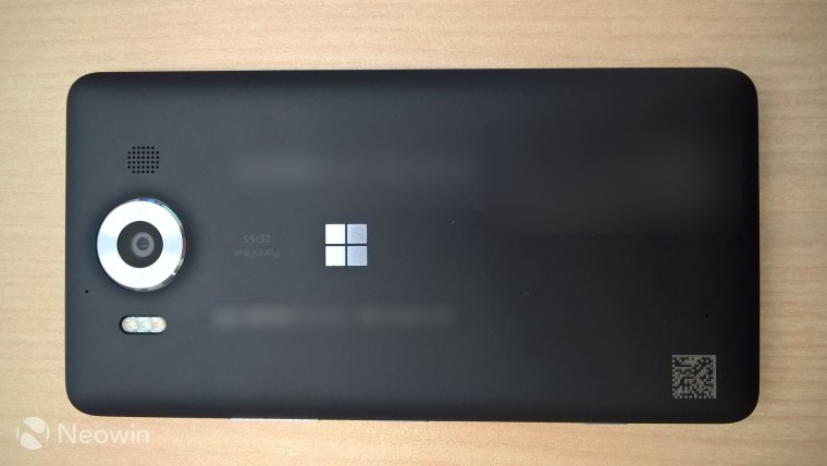 Semakin Jelas: Inilah Foto Penampakan Flagship Lumia 950 dan 950 XL