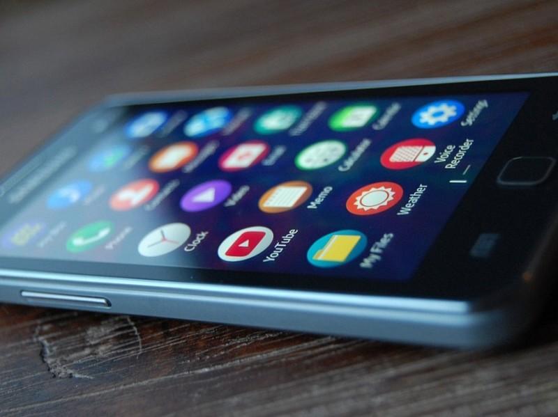 Samsung Akan Menantang Windows 10 Mobile dengan Merilis Flagship Berbasis Tizen