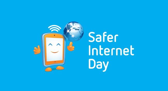 Hari Internet Aman Logo