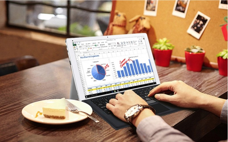CUBE iwork 12: Hybrid Dual OS Windows 10 + Android ala Surface Seharga 4 Jutaan