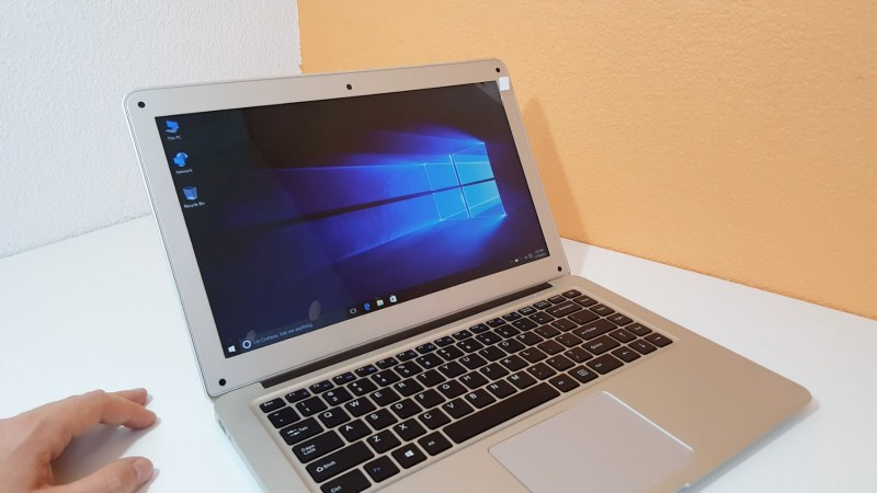 Jumper Ezbook 2: MacBook Air Clone Berbasis Windows 10