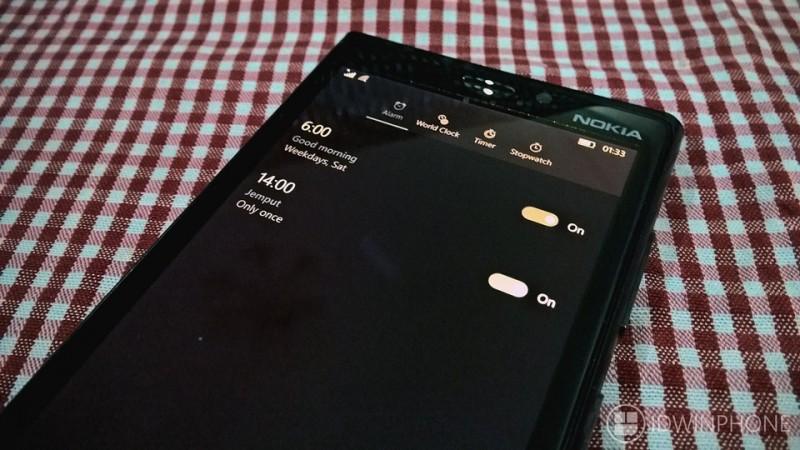 mengatur-alarm-windows-10-mobile