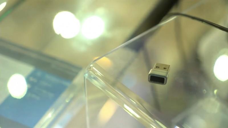 Dengan USB Biometric Sensor Eksternal Kamu Bisa Pake Windows Hello di PC Jadul