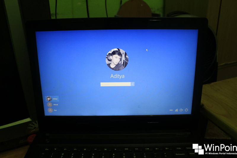 Cara Menghilangkan Background pada Logon Screen Windows 10 Anniversary Update