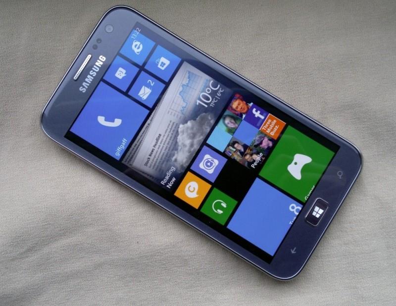 Paten Baru Samsung: Android dan Windows Mobile Berjalan Sekaligus dalam Satu Smartphone