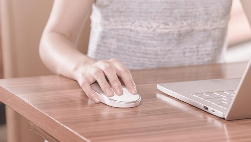 Xiaomi Merilis Mi Mouse, Wireless Mouse yang Bisa Konek ke 2 PC Sekaligus