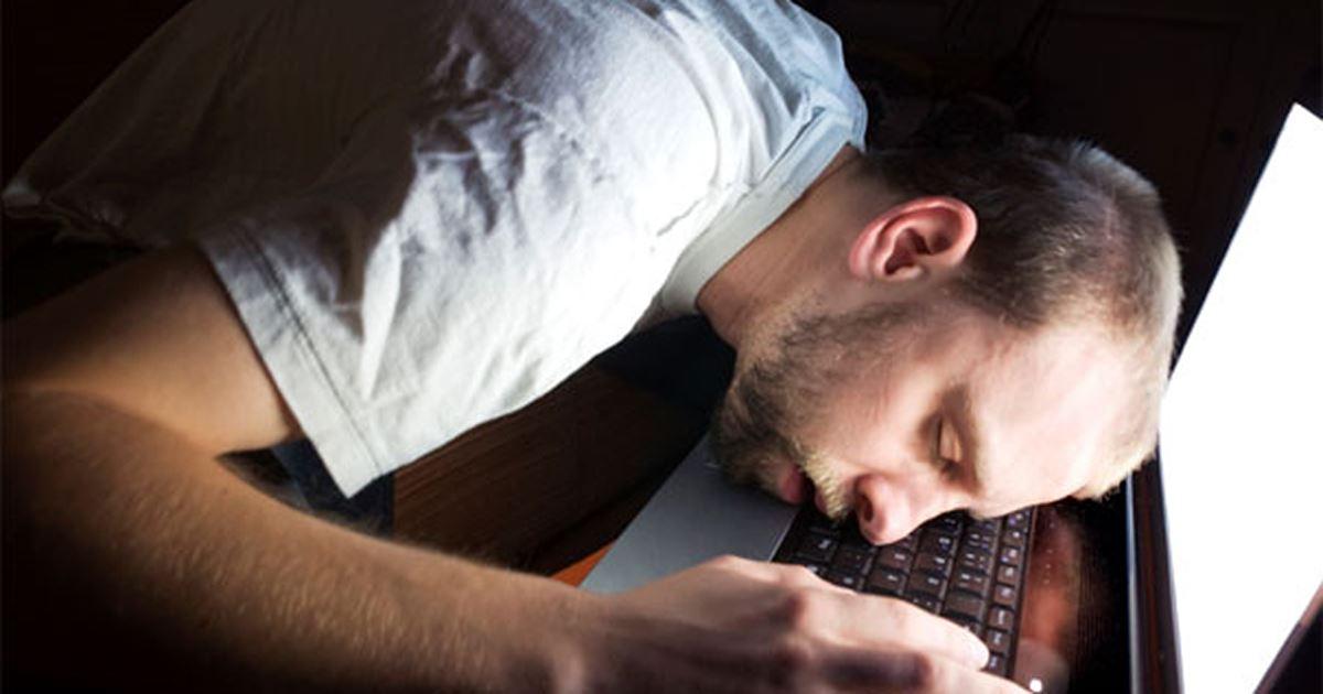 Dampak Fitur Night Light Windows 10 Terhadap Aktivitas Saya Sehari-hari (Review)
