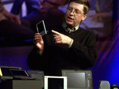 15 Prediksi Bill Gates di Tahun 1999 yang Menjadi Kenyataan