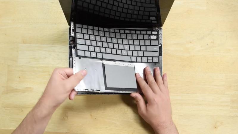 Eh..Surface Laptop Tidak bisa Dibongkar Tanpa Merusaknya!