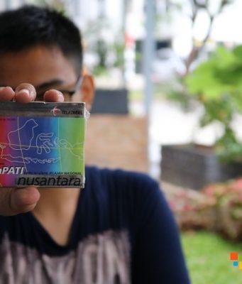 Buka Bungkus Kartu Perdana Jadul (Video)