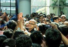 CEO Microsoft, Satya Nadella Sindir Jurnalis yang Pakai iPad
