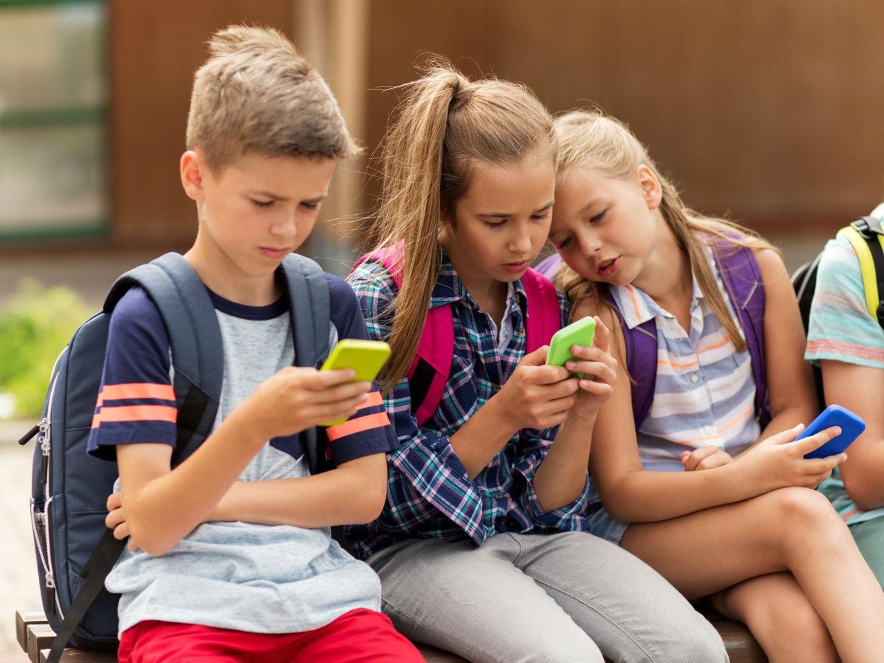Mengawasi Snapchat Anak Secara Online