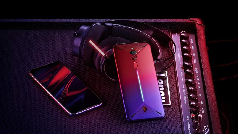 Ponsel Gaming Makin Mirip PC — Perlu Gak Sih?